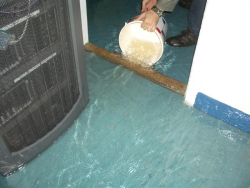 Server_rack_under_Flood